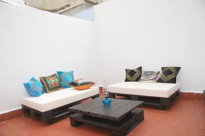 PISO ZONA CENTRO. WIFI PARKING - Granada - Departamento