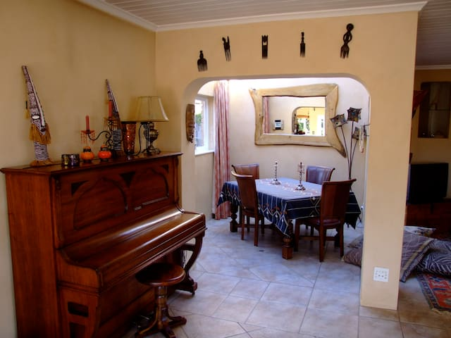 Tranquil B&B in the mountain with s - Cape Town - Bed & Breakfast