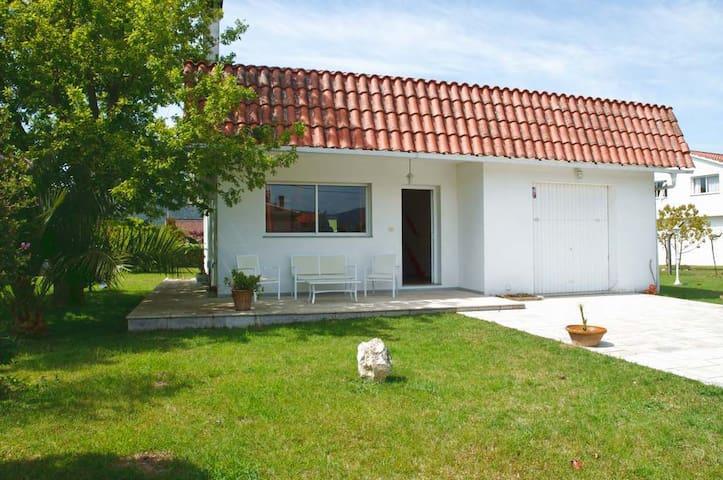 Casa Rober- Jardín,piscina,barbacoa - Goián