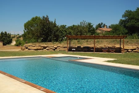Villa with pool and garden  - Cipressino - House