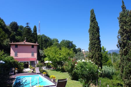 Charming Villa in Versilia's Hills, pool and wifi - Pedona