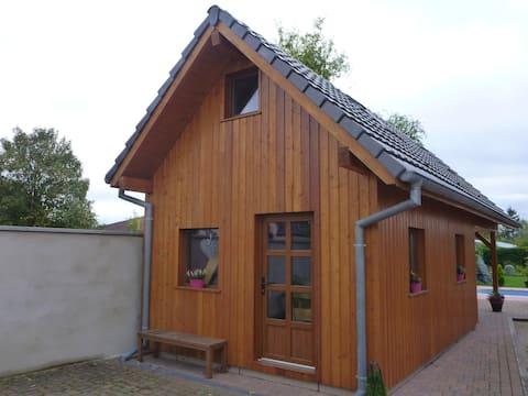 Útulná samostatná chata ve středu