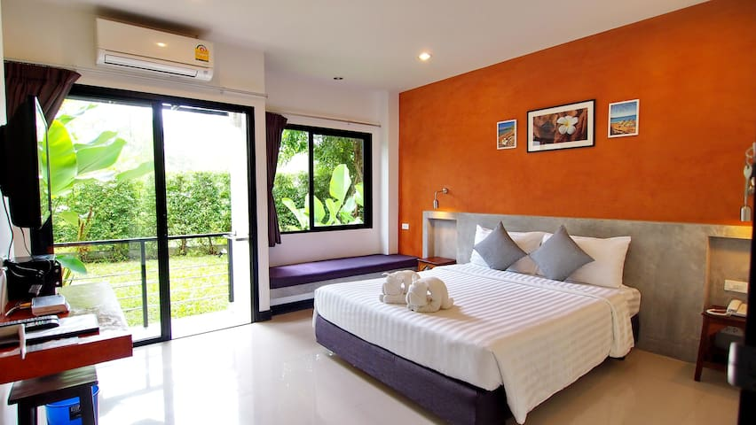 Ideo Phuket Airport Superior Room Only - Sa Khu - 家庭式旅館