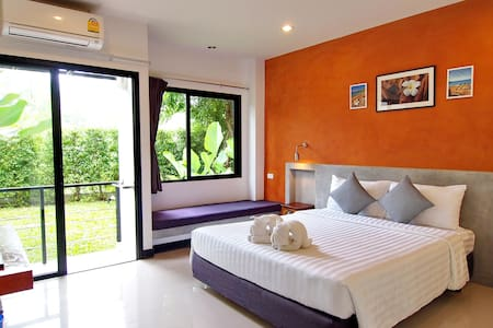 Ideo Phuket Hotel : Superior Studio Room Only - Sa Khu - Bed & Breakfast