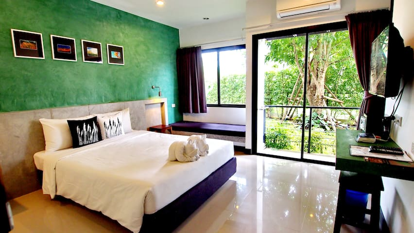 Ideo Phuket Airport Superior with Breakfast - Sa Khu - Bed & Breakfast