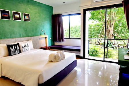 Ideo Phuket Hotel : Superior Studio with Breakfast - Sa Khu - Bed & Breakfast