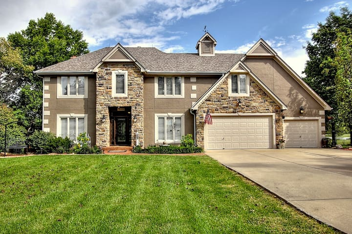 Private gated estate on acreage - Kansas City - Casa