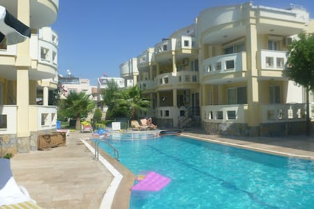 2 Bedroom Flat with communal pool - Apartment