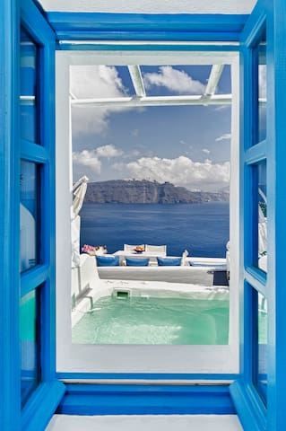Dream blue, caldera view villa with private pool