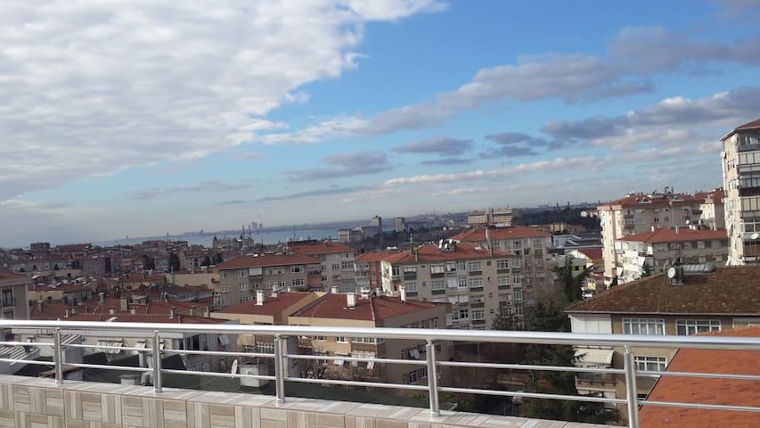 ACIBADEMDE KİRALIK EV - Istanbul - Loft