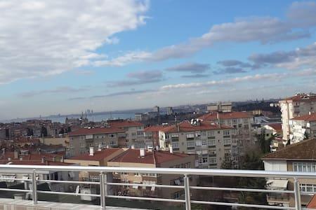 ACIBADEMDE KİRALIK EV - Istanbul