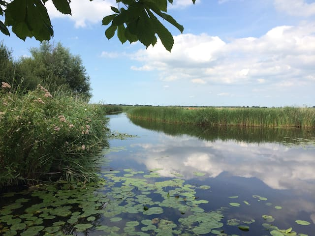 A slice of paradise near Amsterdam - Watergang - Huis