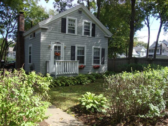 Nanna's Cottage - Glens Falls - Ev