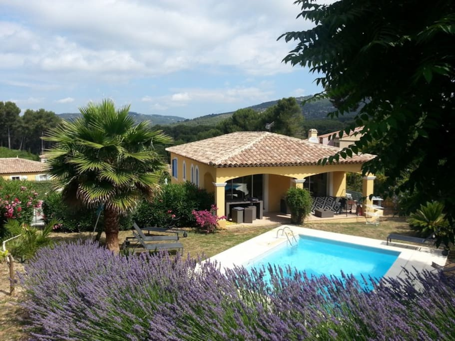 Villa proven ale piscine et jardin maisons louer for Camping sanary sur mer avec piscine
