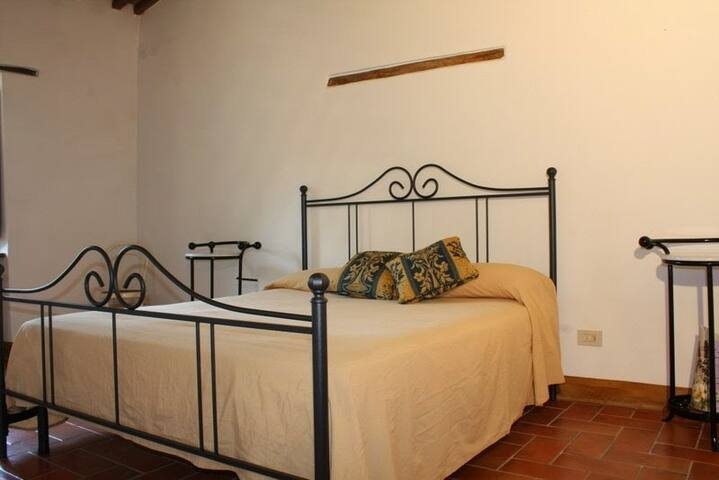 Toscana e sapori, two rooms - Capolona - Bed & Breakfast