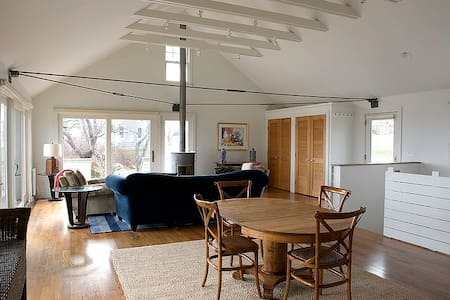 Immaculate rental with ocean views! - Little Compton - Ház