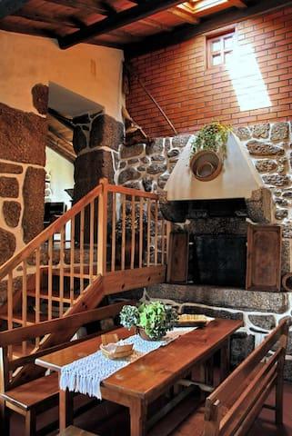 Serra da Estrela, Casa do Forno - Valezim - House