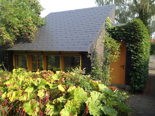 Charming little guest house - Reutlingen - Houten huisje