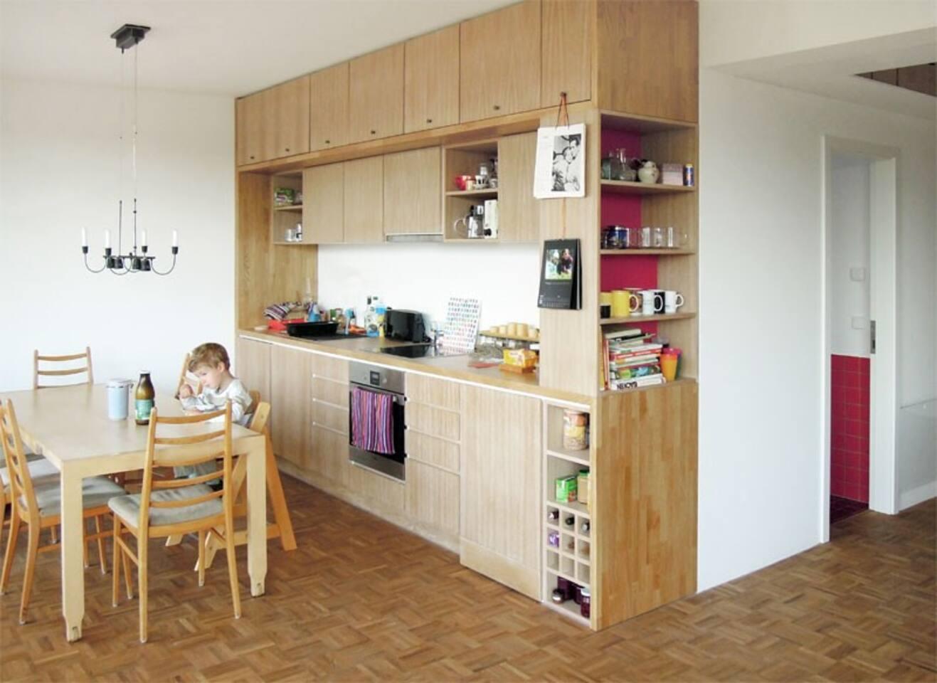 das Wohnzimmer - für weitere Fotos der einzelnen Räume und Bäder schreibt uns bitte einfach eine E-Mail.