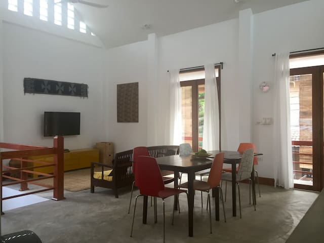 Spacious, central, family-friendly home - Luang Prabang - Rumah