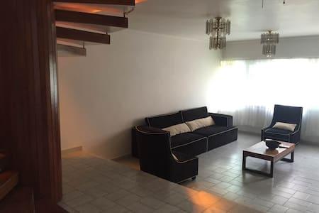 Renta habitaciones, en bonita casa! - Celaya - Hus