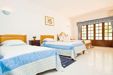 Family or group room ensuite - Albufeira - House