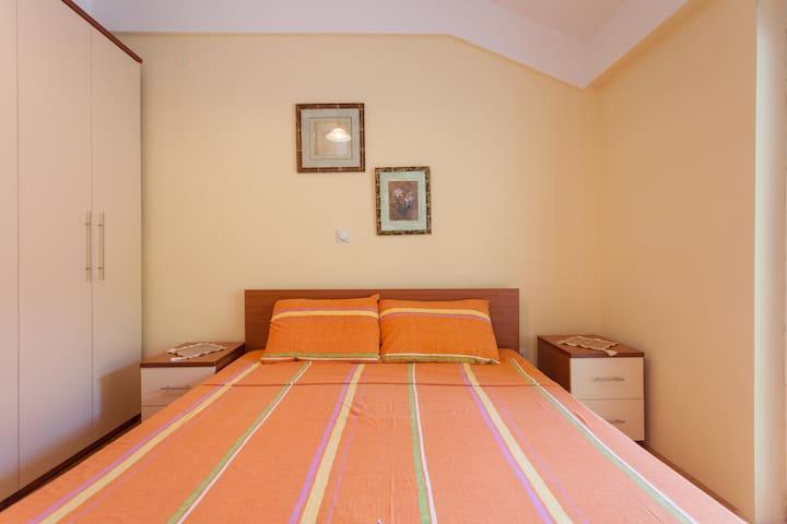 Gjole Apartmens (Apartment 2) - Lagadin - Apartament