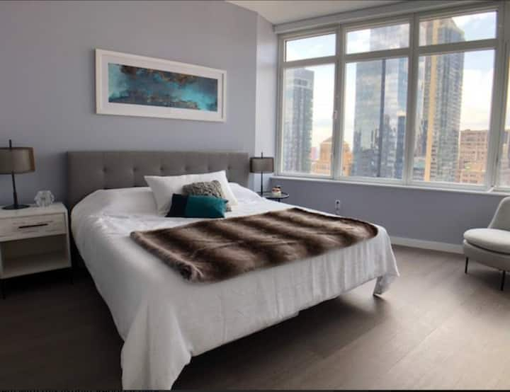 One Room in Luxury Condo Midtown Manhattan