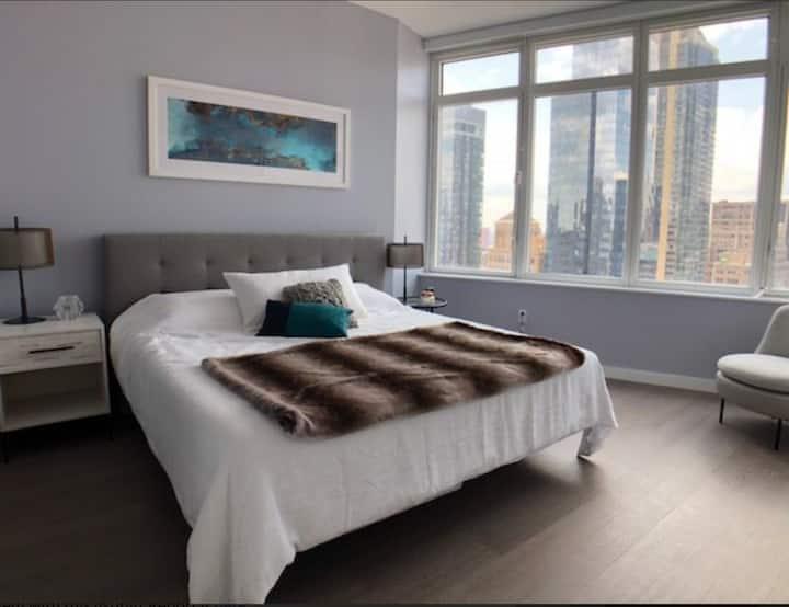 One Room in Luxury Condo Midtown Manhattan