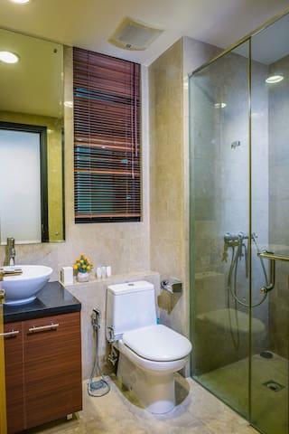 CBD AREA 2BR COMFY STAY - Setia Budi - Apartamento