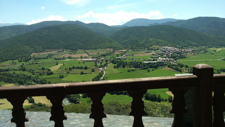 Un balcón en el Pirineo - La Parròquia d'Hortó - Hus