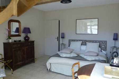 Chambre du colombier 2 à 6 pers. - Bed & Breakfast