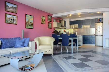 Central Cozy 100 sq.m. apartment - Plovdiv - อพาร์ทเมนท์