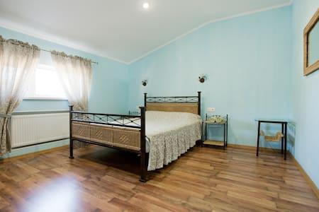 Уютные 2-х комнатные апартаменты в гостевом доме - Odesa