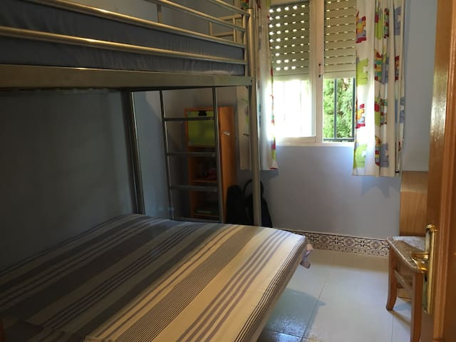 Bunk bedroom, Riverside Finca retreat/Wi-Fi - Villalonga - Villa