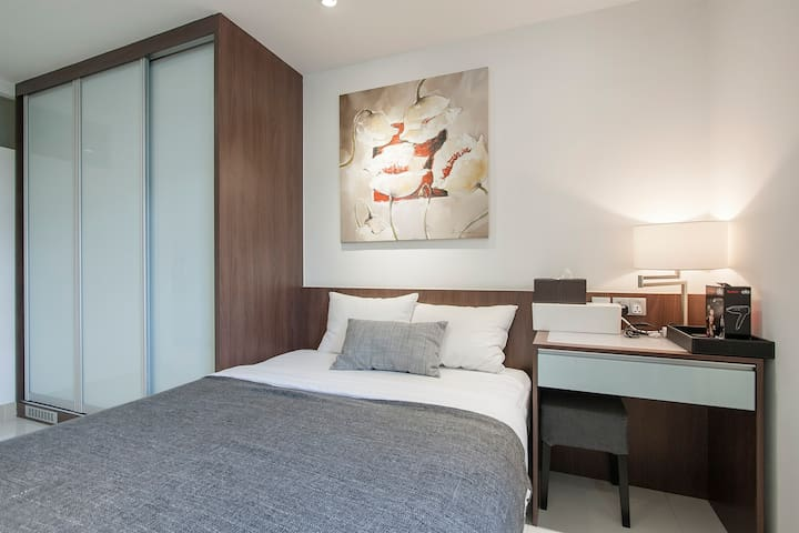 Premium Double Room with services (4)