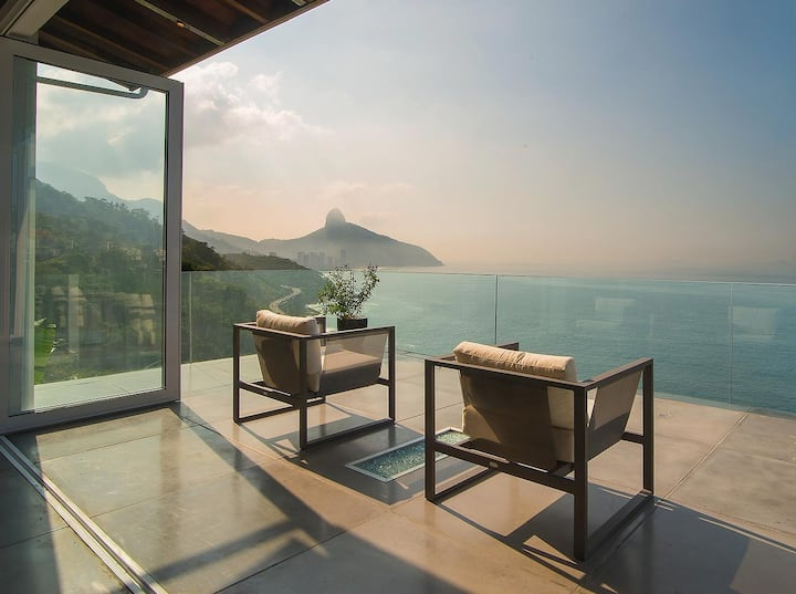 Incredible Rio Super-Luxury Home