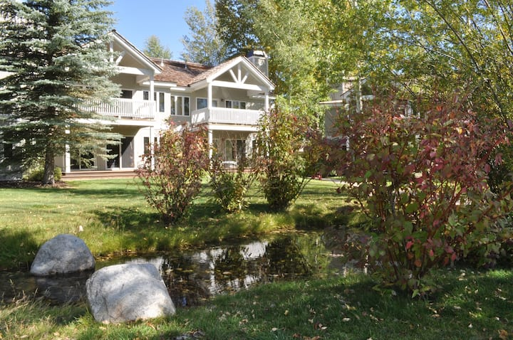 3 bdr, 3.5 bath Teton Pines, Minutes from Skiing