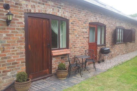 Poplar Farm Studio (extra bedroom) - Cheshire West and Chester - Apartmen
