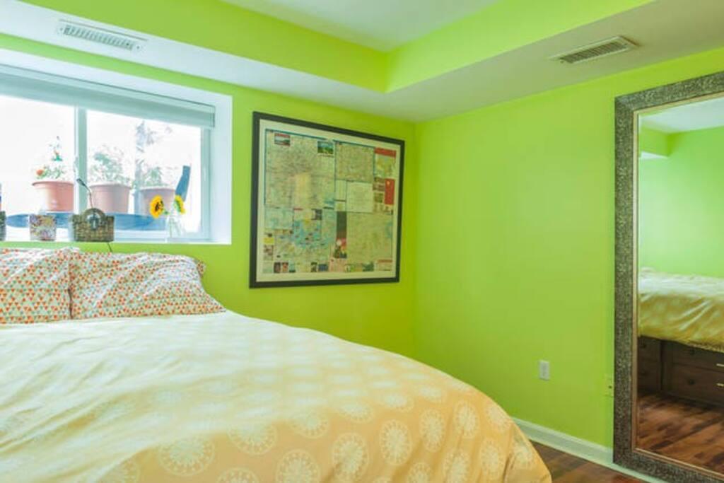 Queen temperpedic bed in your room