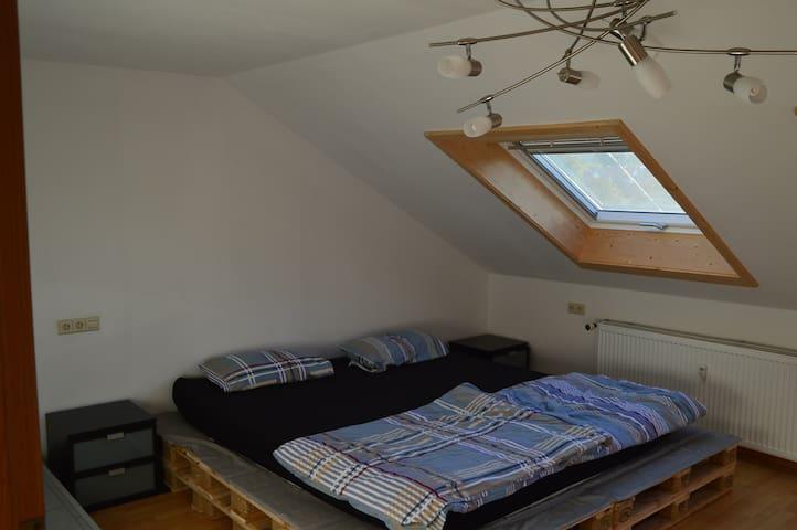 3 -Zimmer Dachgeschoss Wohnung - Ammerbuch - Huoneisto