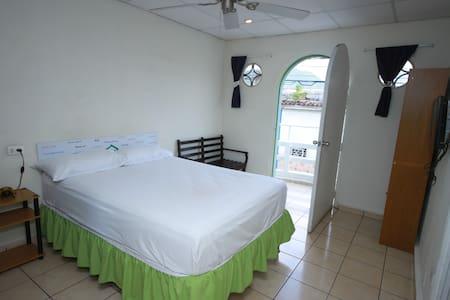 Casa Verde, Double Room #9 - Santa Ana