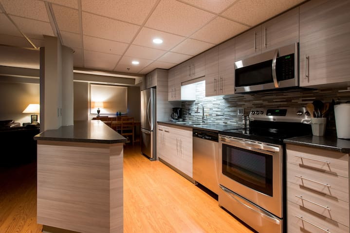 In the heart of Broadway District - Saskatoon - Apartment