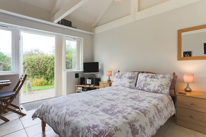 Gwestva is light and airy with a good bed!