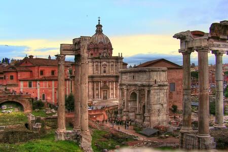 Apt. beside Roman Imperial Forums