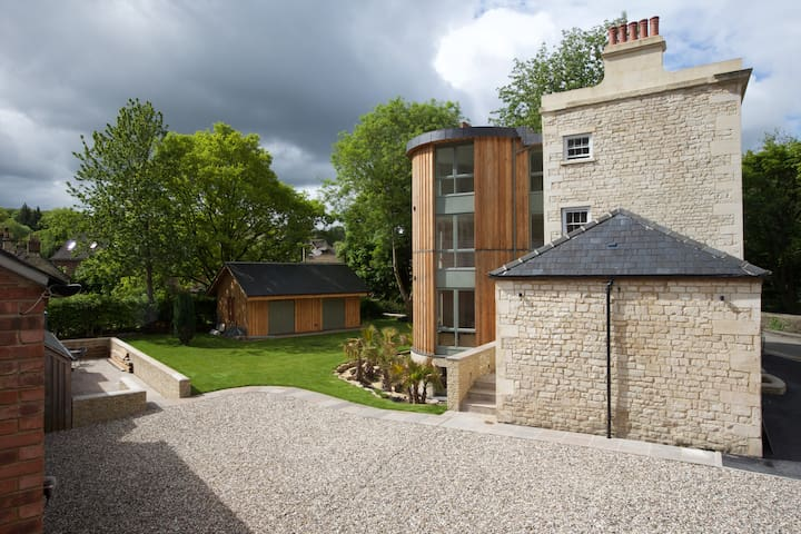 Railway Hotel Apartments -2 bed Apt - Nailsworth - Appartement