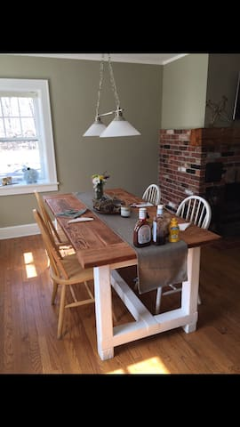 Historic farmhouse on 18 acres - New Hampton - House