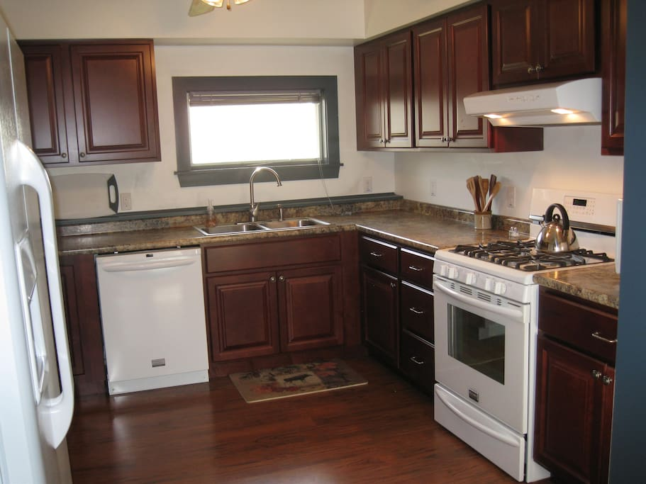 New fully equipped kitchen