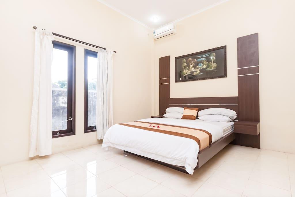Master bedroom in the 1st floor