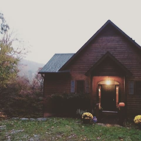 Large Summer Chalet! 90 acres to Camp + Hike! 10+ - Beech Mountain - Hus